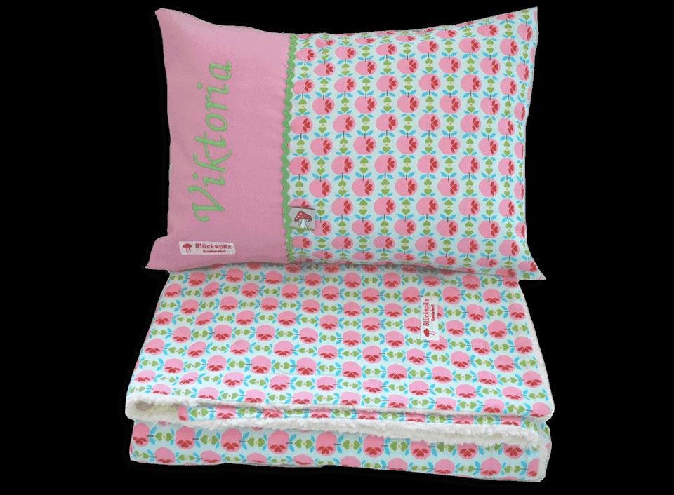 Schönes Schlafset für Mädchen mit niedlichem Muster und individueller Namensstickerei