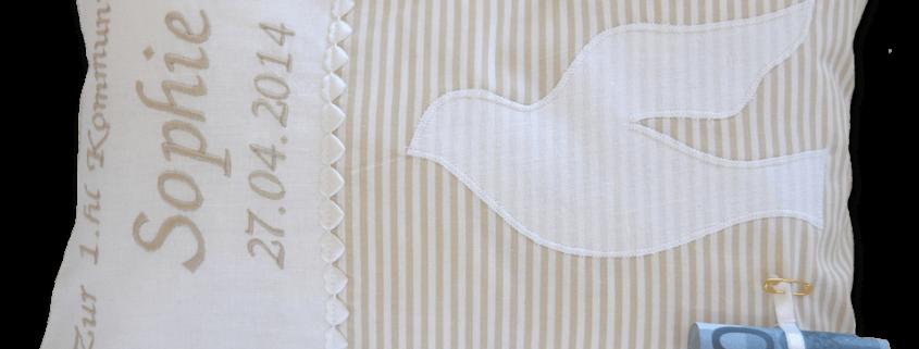 Kissen mit Namensstickerei und Datum der heiligen Kommunion, sowie applizierter Taube