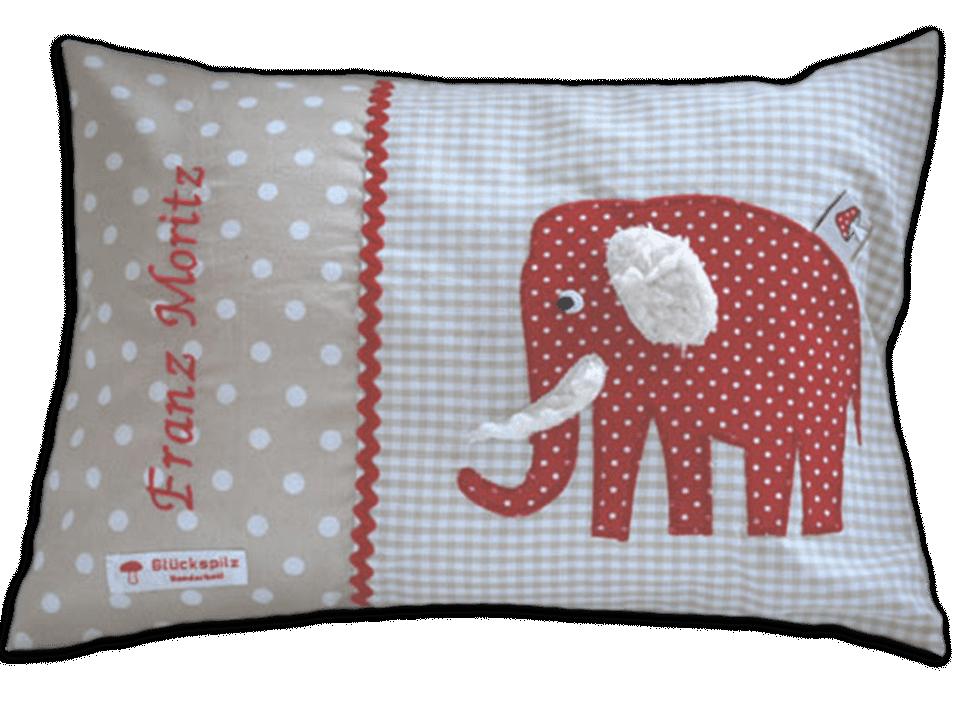 Namenskissen mit Elefant-Applikation in rot auf beigen Vichykaro und weichen Details