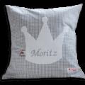 Namenskissen mit Krone auf grauem Vichykaro-Muster
