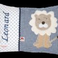 Dunkelblaues Namenskissen mit Löwe und Namensstickerei