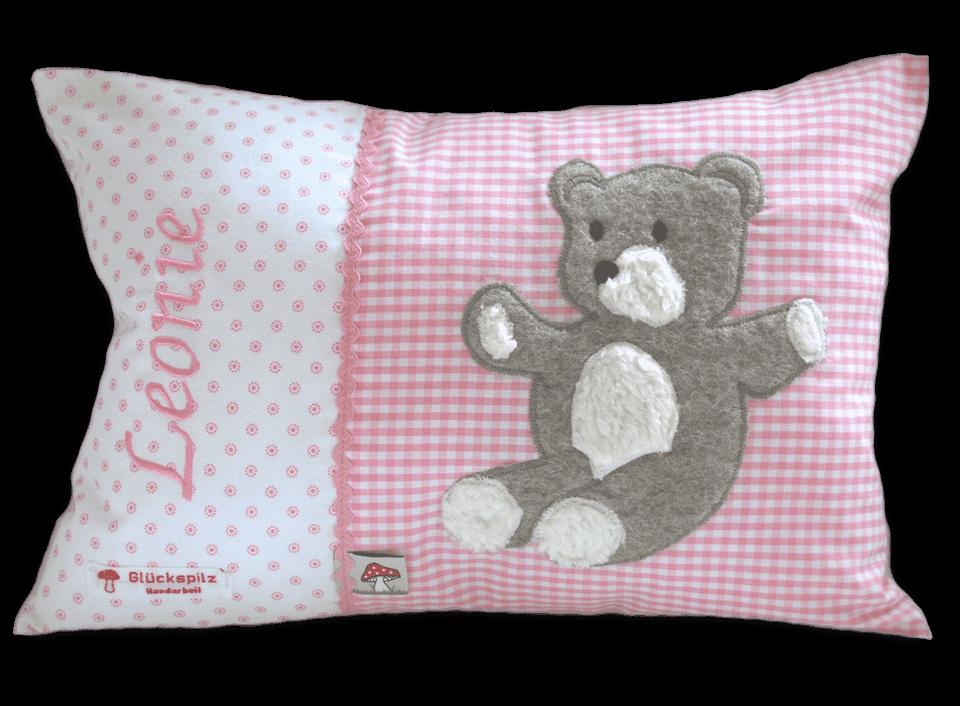 Namenskissen mit Teddybär - Applikation auf rosa Vichykaro mit passender Zackenlitze