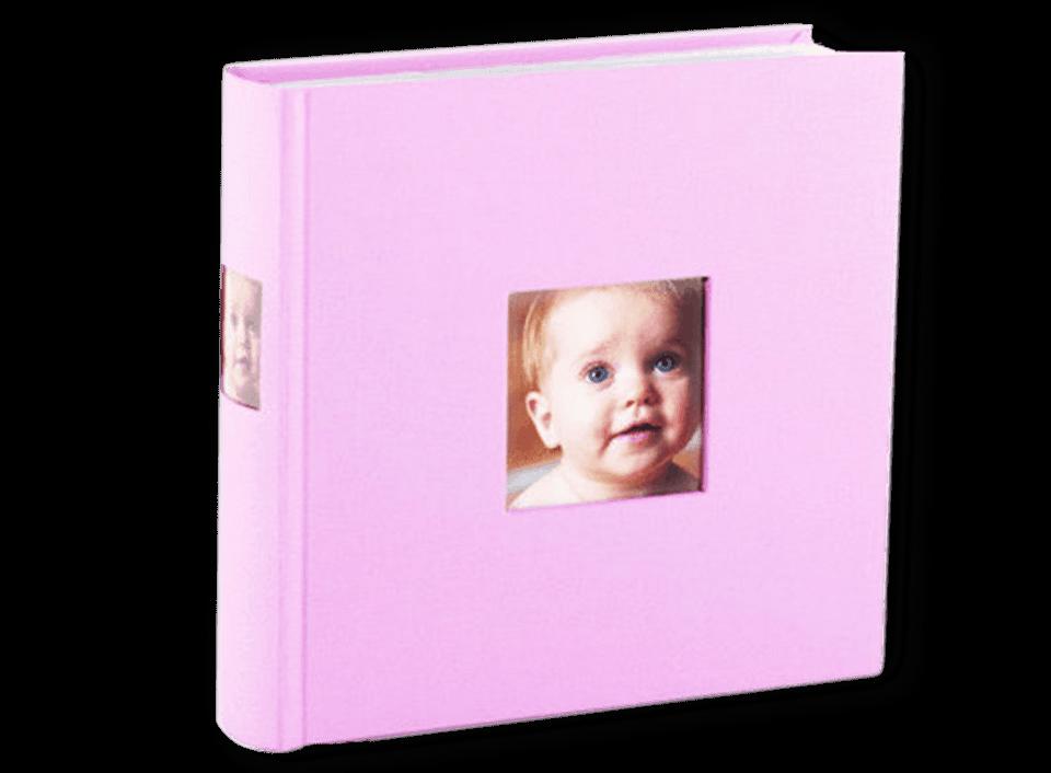 In unserem Bilderbuch in rosa können Sie auf 50 Seiten 200 Fotos unterbringen.