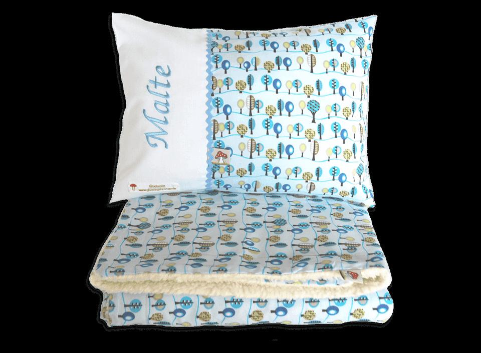 Kinderbettdecke mit flauschiger Innenseite und passendes Kissen mit Namensstickerei