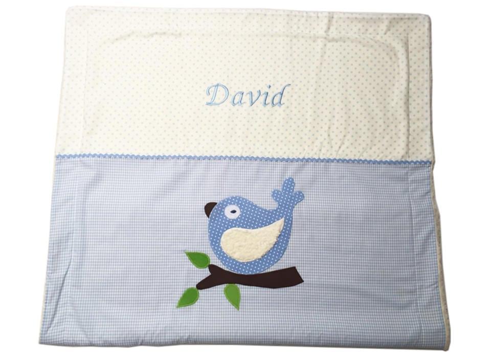 Baby-Kuscheldecke mit Vogel und Namen hellblau