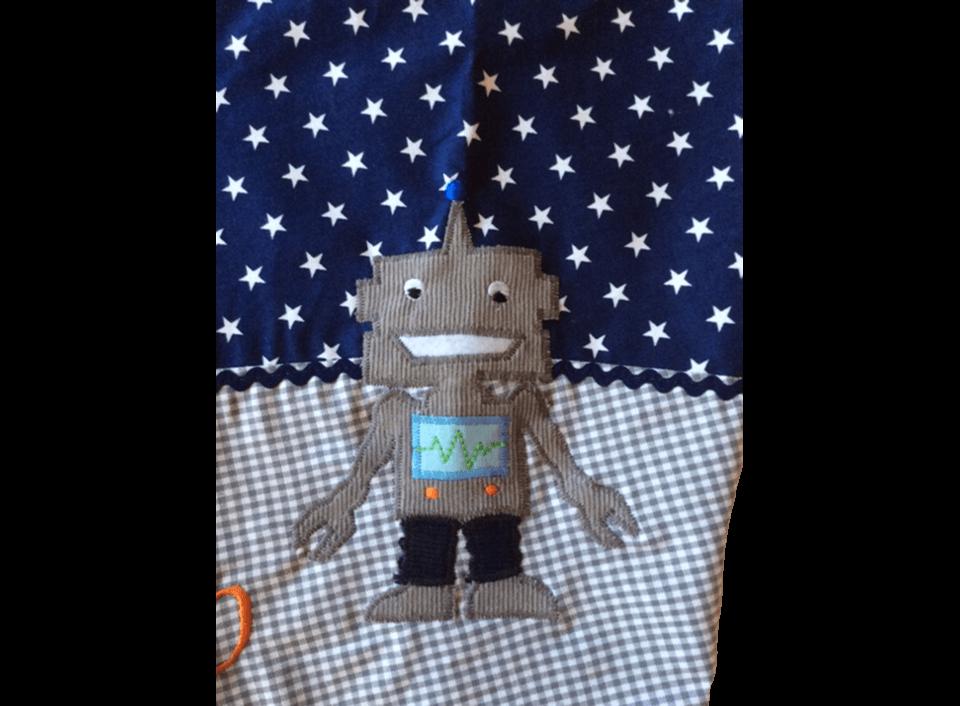 Die Roboter-Applikationen und der Muster-Mix auf der Schultüte im Detail.