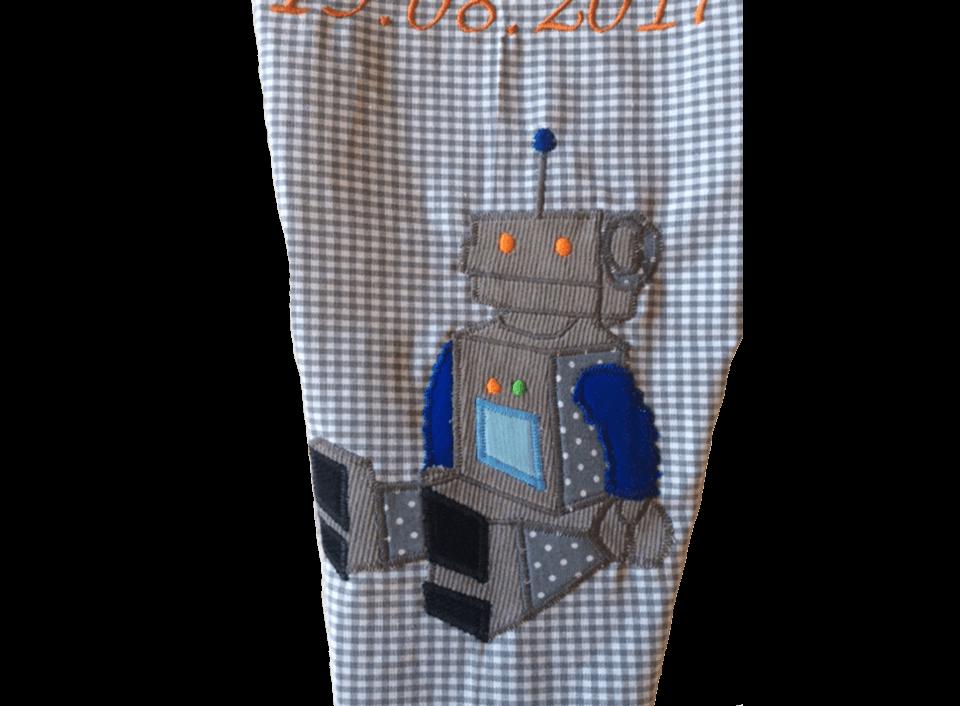 So sehen die Details an unserer Schultüte mit Roboter aus.