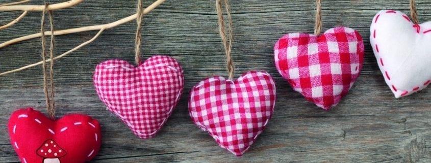 Grußkarte mit Herzchenmotiven