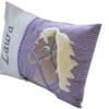 Namenskissen mit Einhorn auf lila Vichykaro in seitlicher Ansicht