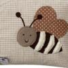 Namenskissen Biene in Detailaufnahme