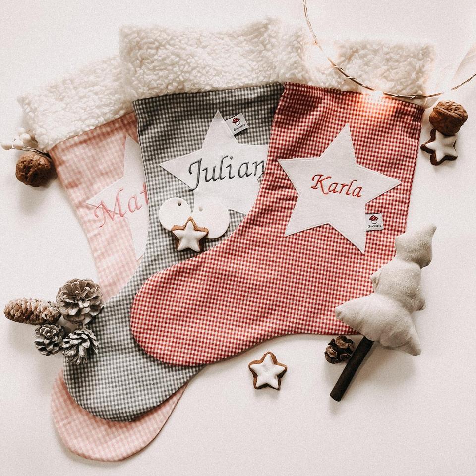 Nikolausstiefel als Weihnachtsgeschenke fuer die ganze Familie