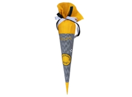Schauen Sie Sich hier unsere handgenähte Schultüte Dortmund mit gesticktem Namen an.